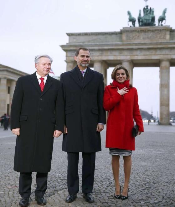 On their first state visit to Germany, King Felipe and Queen Létizia were welcomed by President Joachim Gauck and his domestic partner Daniela Schadt before lunch at the Presidential Palace.