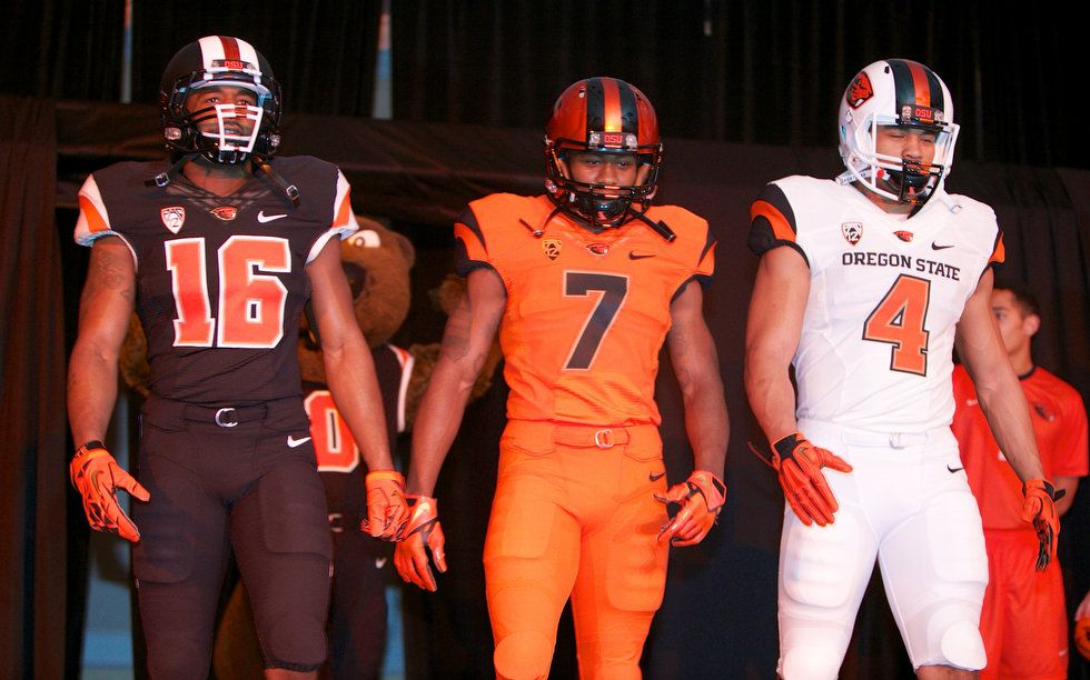 Oregon State Beavers Unveil New Uniforms Photos Oregonlive Com Oregon State Beavers Oregon State Oregon Football