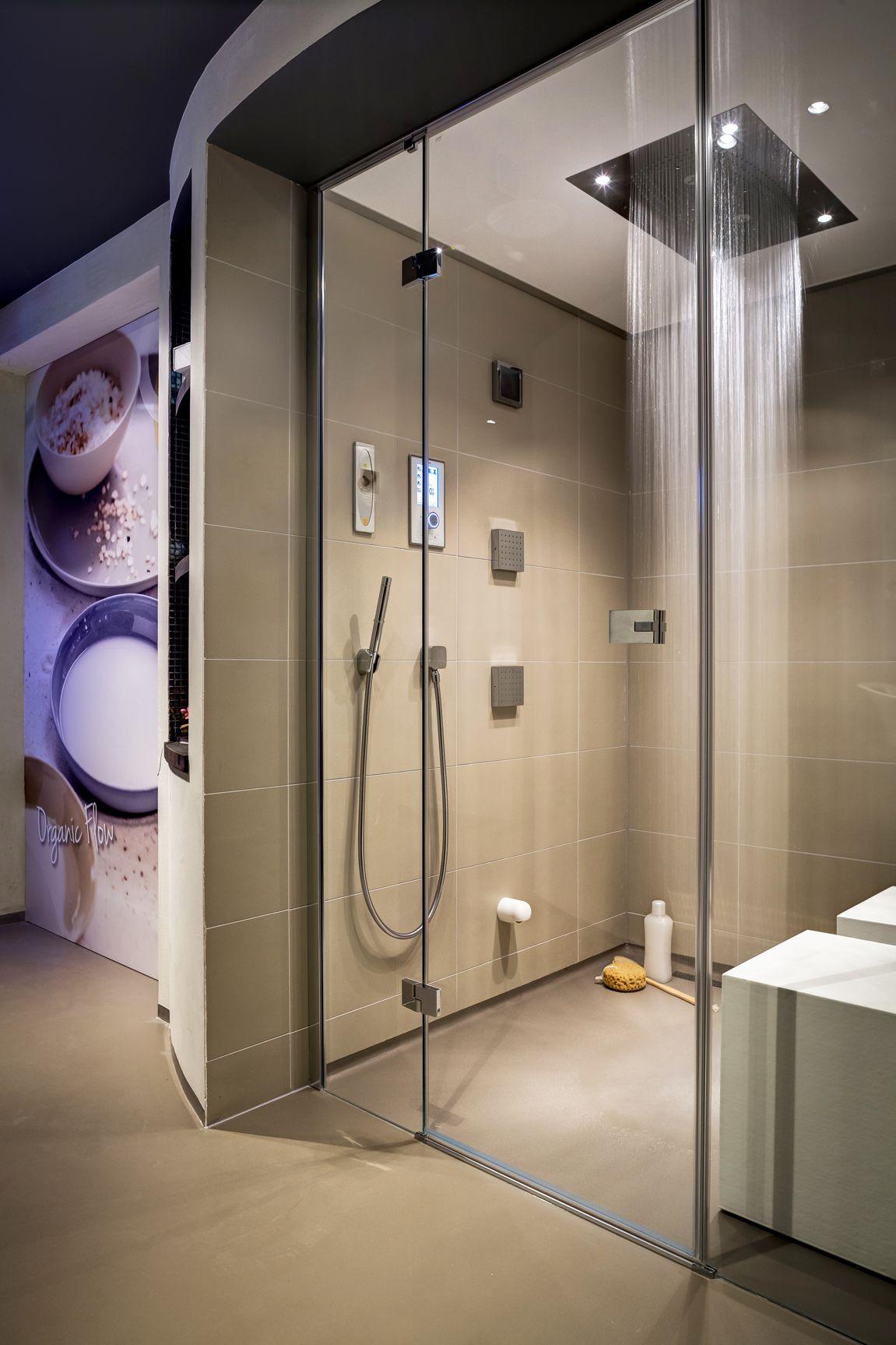 Cleopatra S Steam Shower With Hansgrohe Rainbrain Shower Modern Bathroom Bathroom Design Steam Room Shower