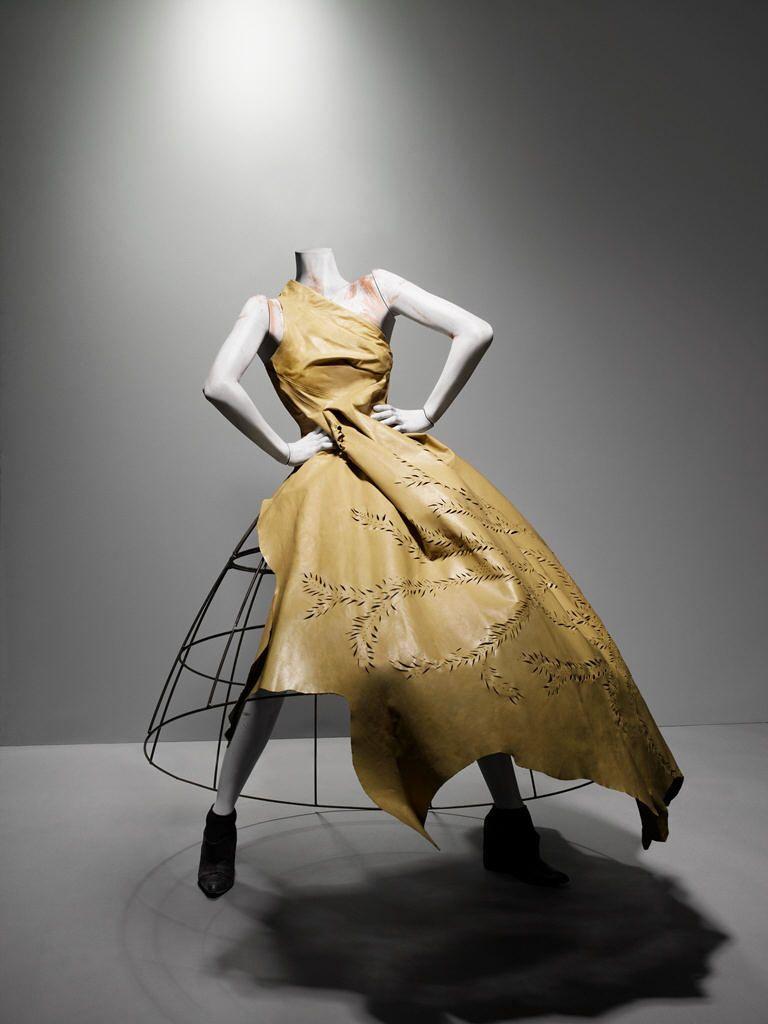 Ensemble, Eshu, Autumn/Winter 2000–2001, Alexander McQueen Savage Beauty Exhibition