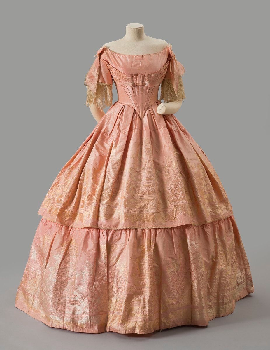 Pin By Jackie Wakeling Jacobs On Victorianish Pink Evening Dress Historical Dresses Vintage Dresses [ 1199 x 926 Pixel ]