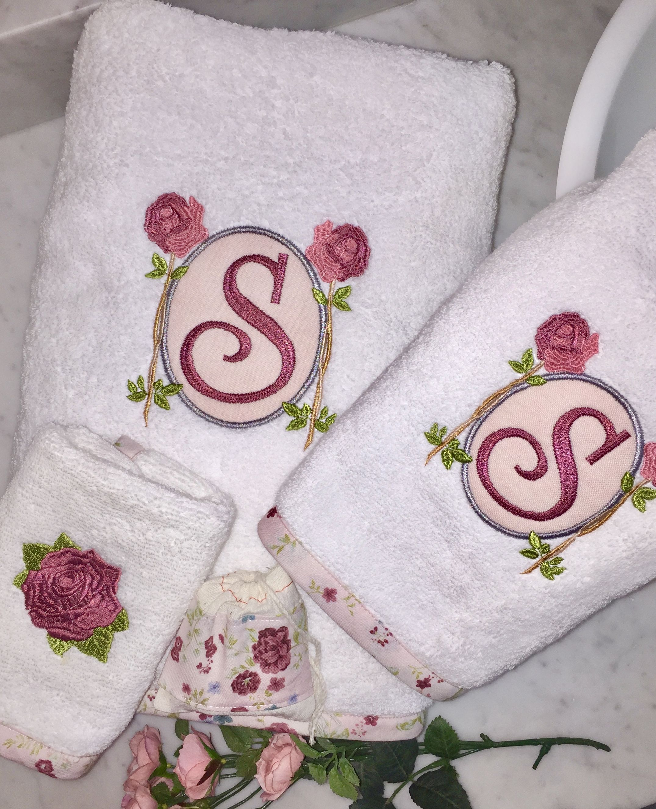 Bias Trimming Bath Towel Sets Embroidered Bath Towels