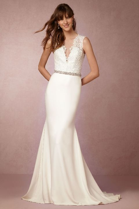 Totally Chic Wedding Gowns Under $2000 | Chic wedding, Gowns and ...