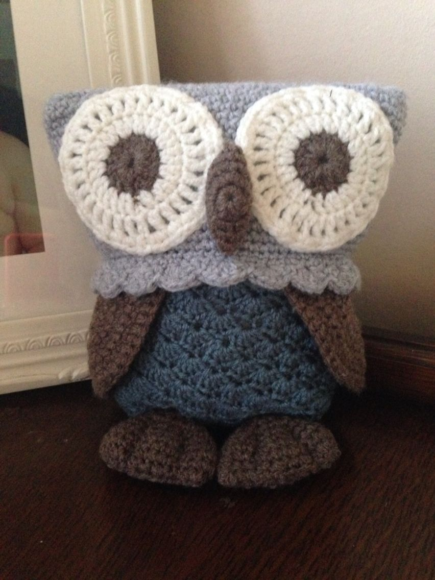 My cute crocheted owl! Pattern by Vanessa Mooncie x | Crochet