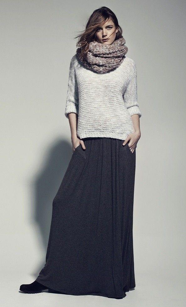 269d582d8adb5f Jupe-longue-en-mousseline-avec-un-gros-pull-en-laine-on-aime-!_ ...