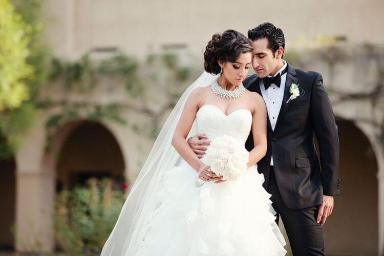Cómo organizar una boda elegante, original y económica - http://www.bodastube.com/como-organizar-una-boda-elegante-original-y-economica/  Visita http://www.bodastube.com para mas videos sobre como planear una boda