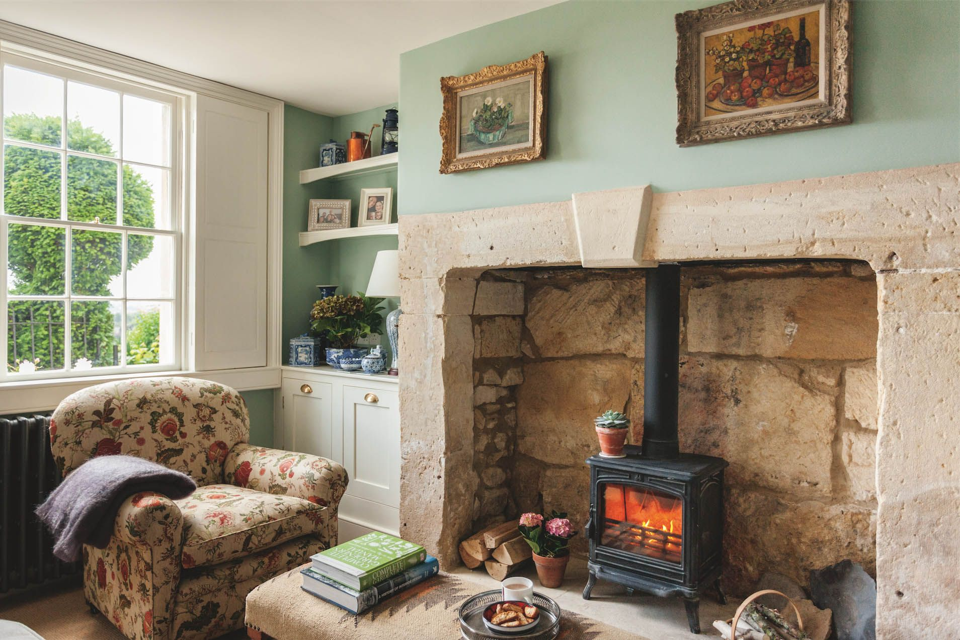 The English Home Magazine November 2017 Issue House And Home Magazine Cottage Interiors Cottage Living Rooms