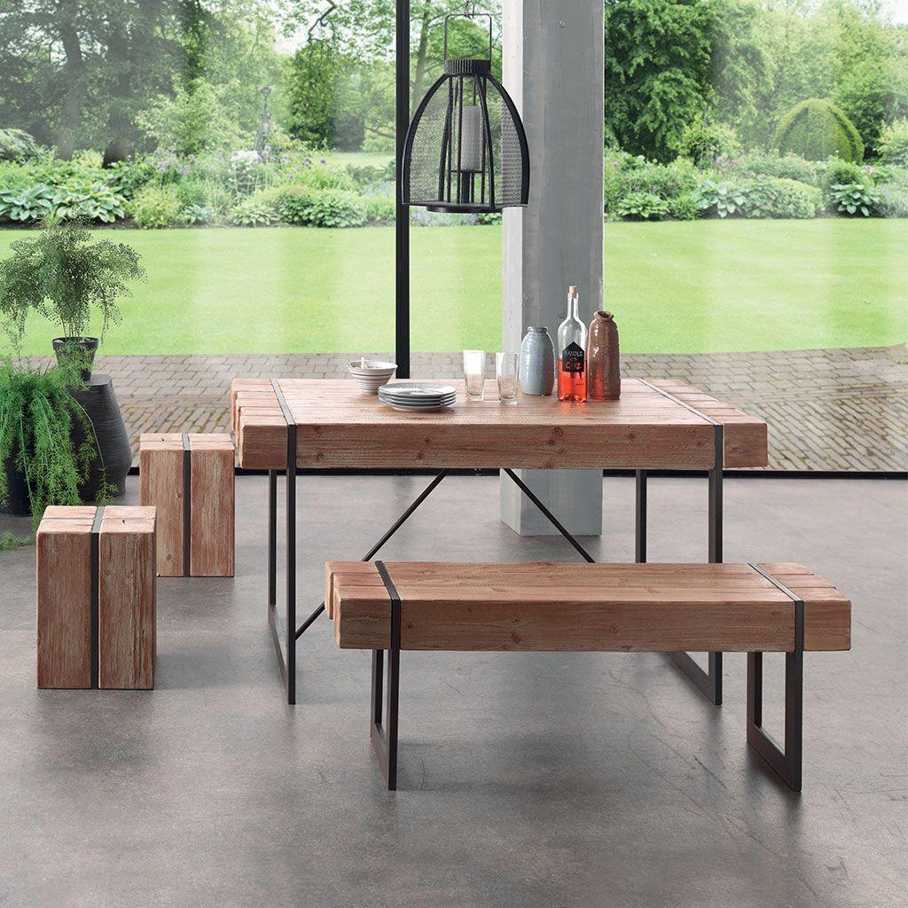Le style industriel de la table haute Fabrik en bois brut