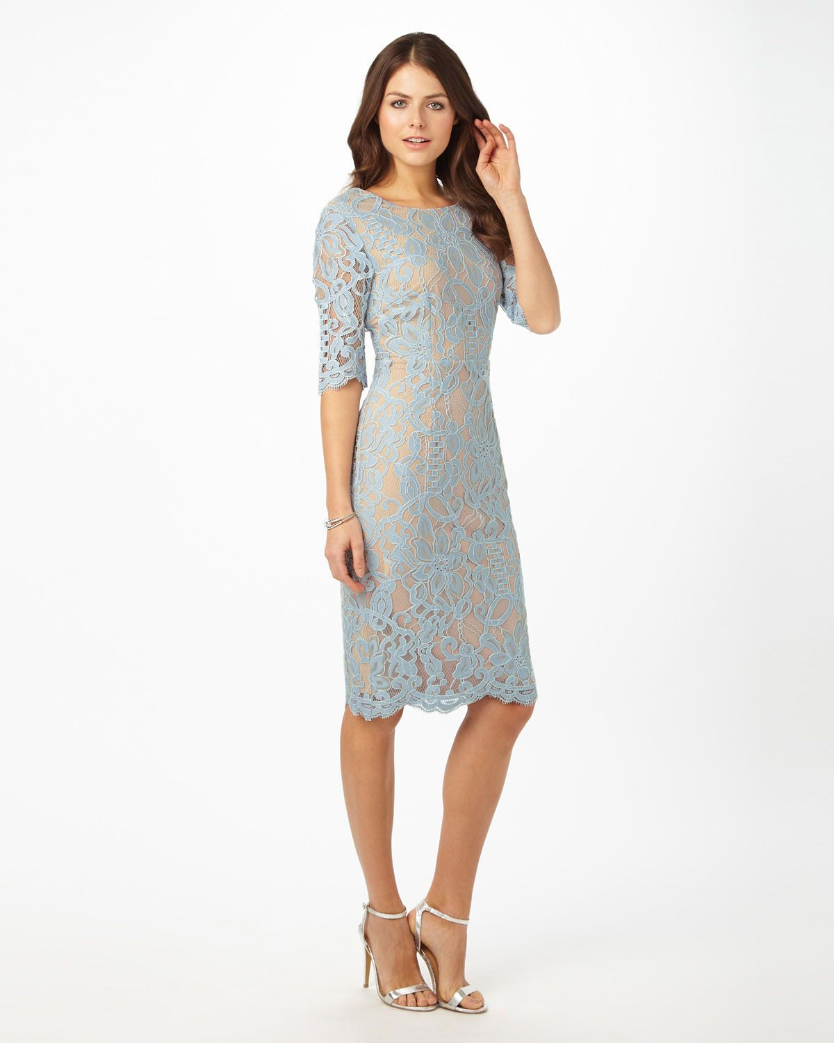 f2b01b99908bd3 This beautiful lace dress features a contrast lining to highlight the lace,  3/4
