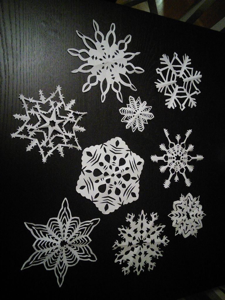 DIY How To Make 6 Pointed Paper Snowflakes