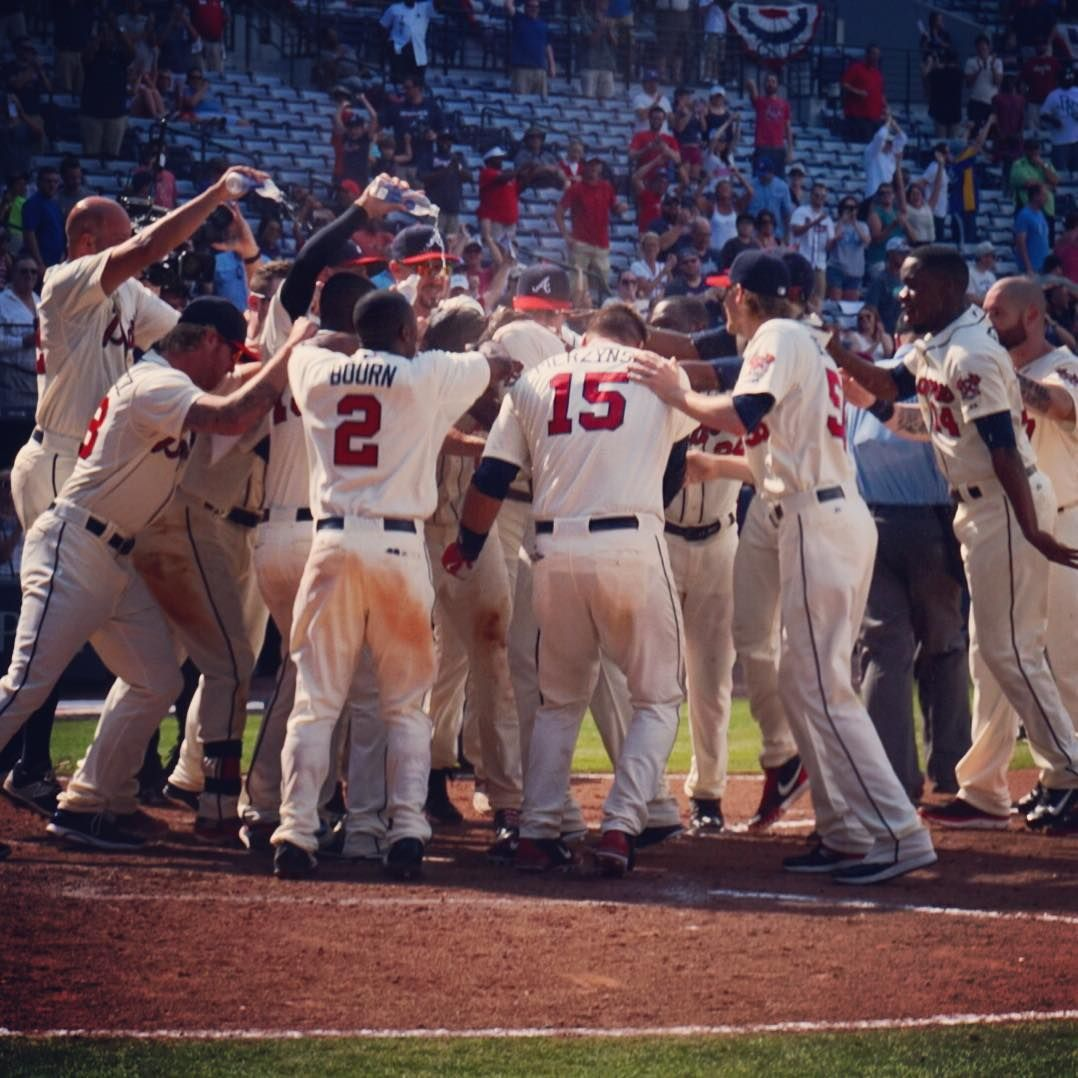 WALK-OFF SHOWER FOR @camogang24! BRAVES WIN!!!!!!