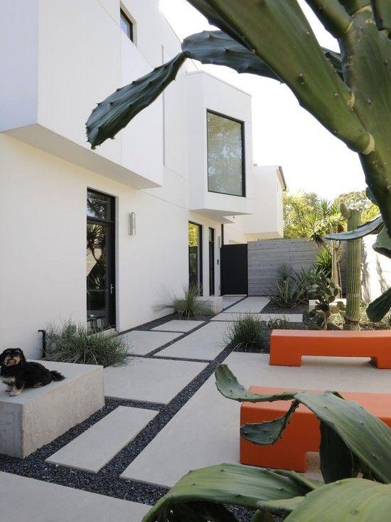 50 Modern Front Yard Designs And Ideas: White Orange Green Black Pebbles. Modern Landscape Design, Pictures,…