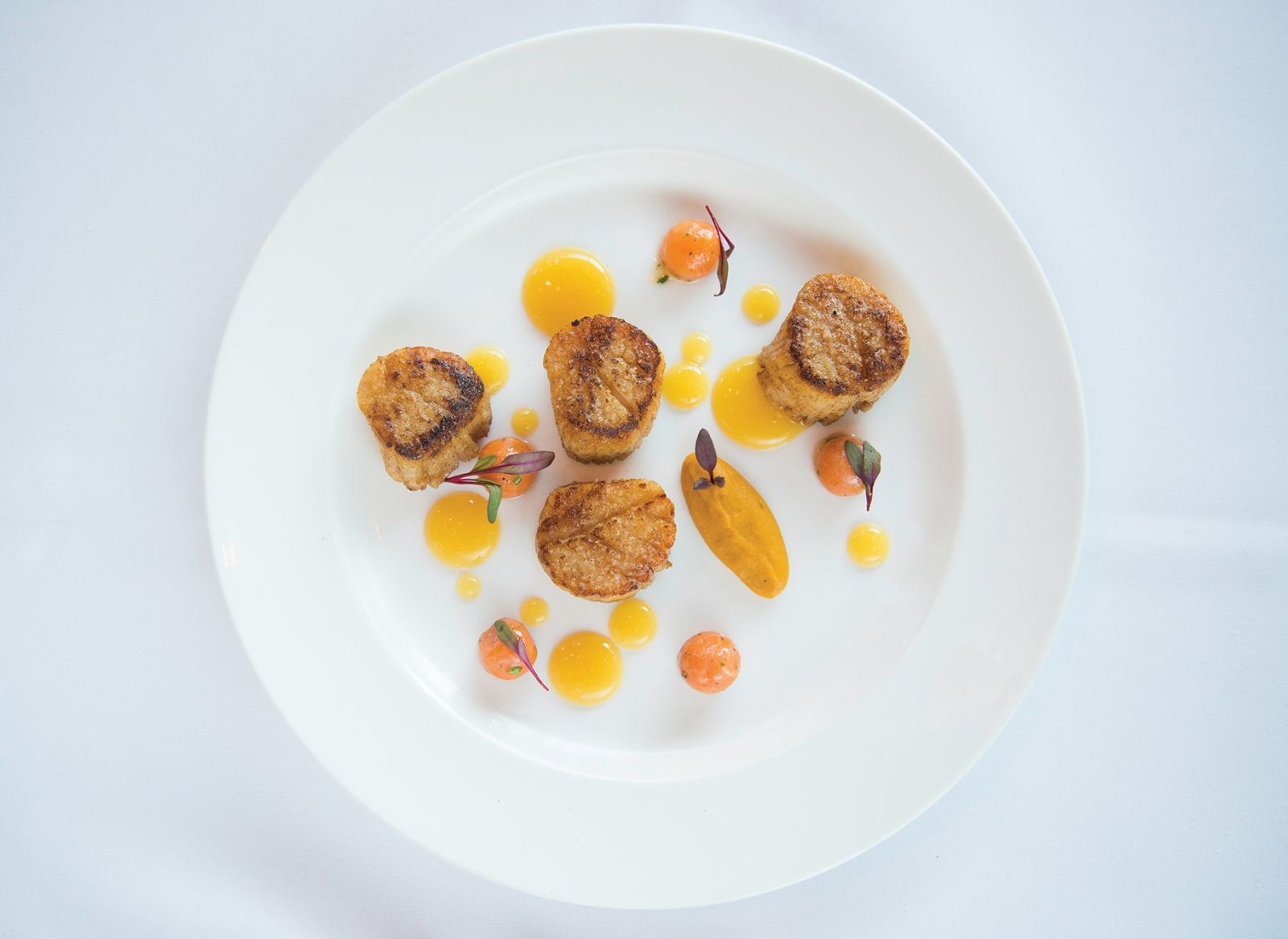 801 Fish Lures A Big Catch New Bedford Scallops By Chef Joe West For 801 Fish 435 Magazine March 2015 Scallop Dishes Food Dishes