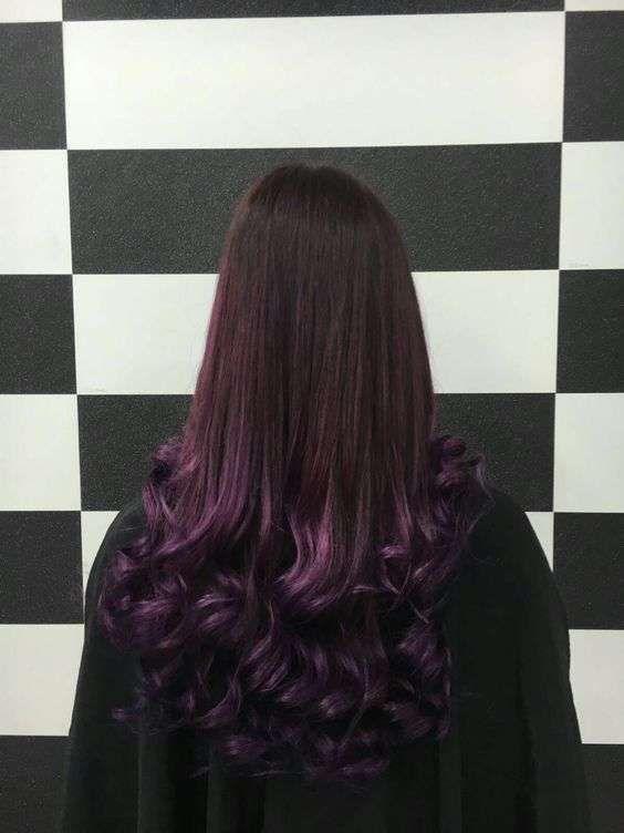 Shatush capelli scuri viola melanzana