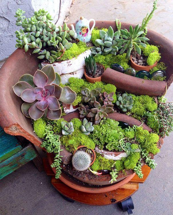 Jardins Miniatures pots cassés transformés en des jardins miniatures féeriques