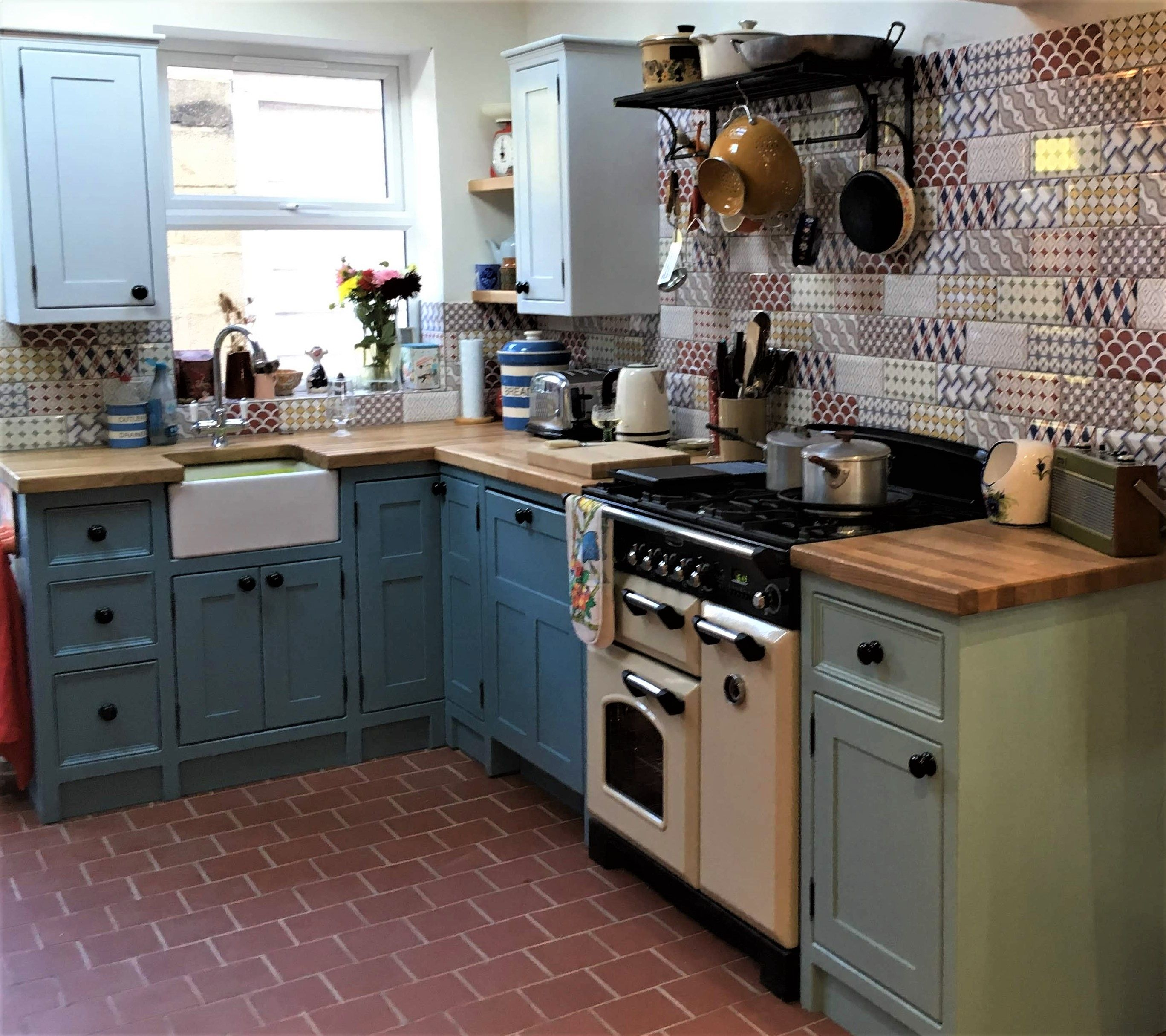 Best Original Kitchens By With Images Cottage Kitchen 640 x 480