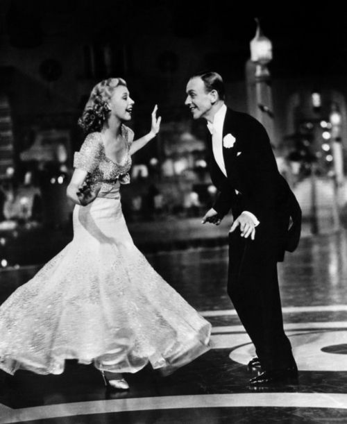 Ginger Rogers Fred Astaire Dancing Cheek To Cheek Top Hat Fred And Ginger Fred Astaire Classic Hollywood