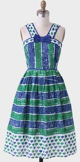 cute #green and #lbue striped dress http://rstyle.me/n/irm6zr9te