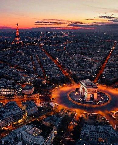 Многие говорят,что Париж грязный,но те,кто хочет увидеть ...
