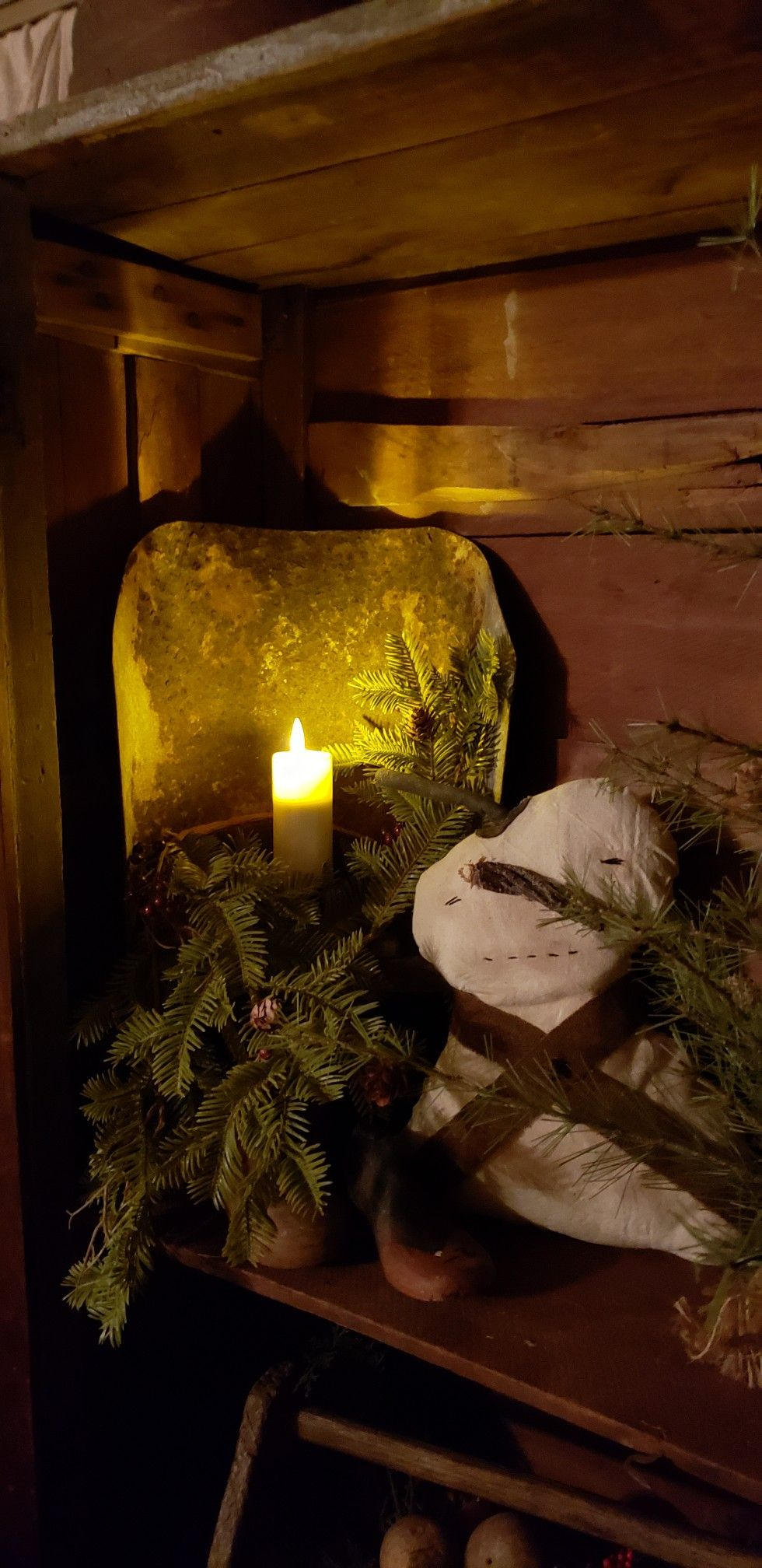 Greenery ,snowman & light make a cozy Christmas! 2018 ...