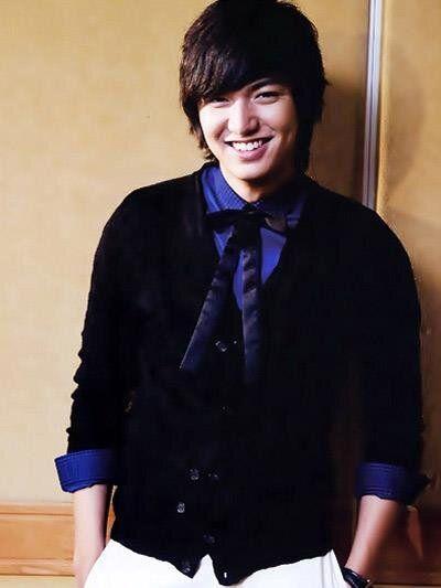 "Nice coloured shirt but minus the ribbons oppa:-) ""FITRI♥이민호♥MINOZ: leeminhoforJKT Lee Min Ho """