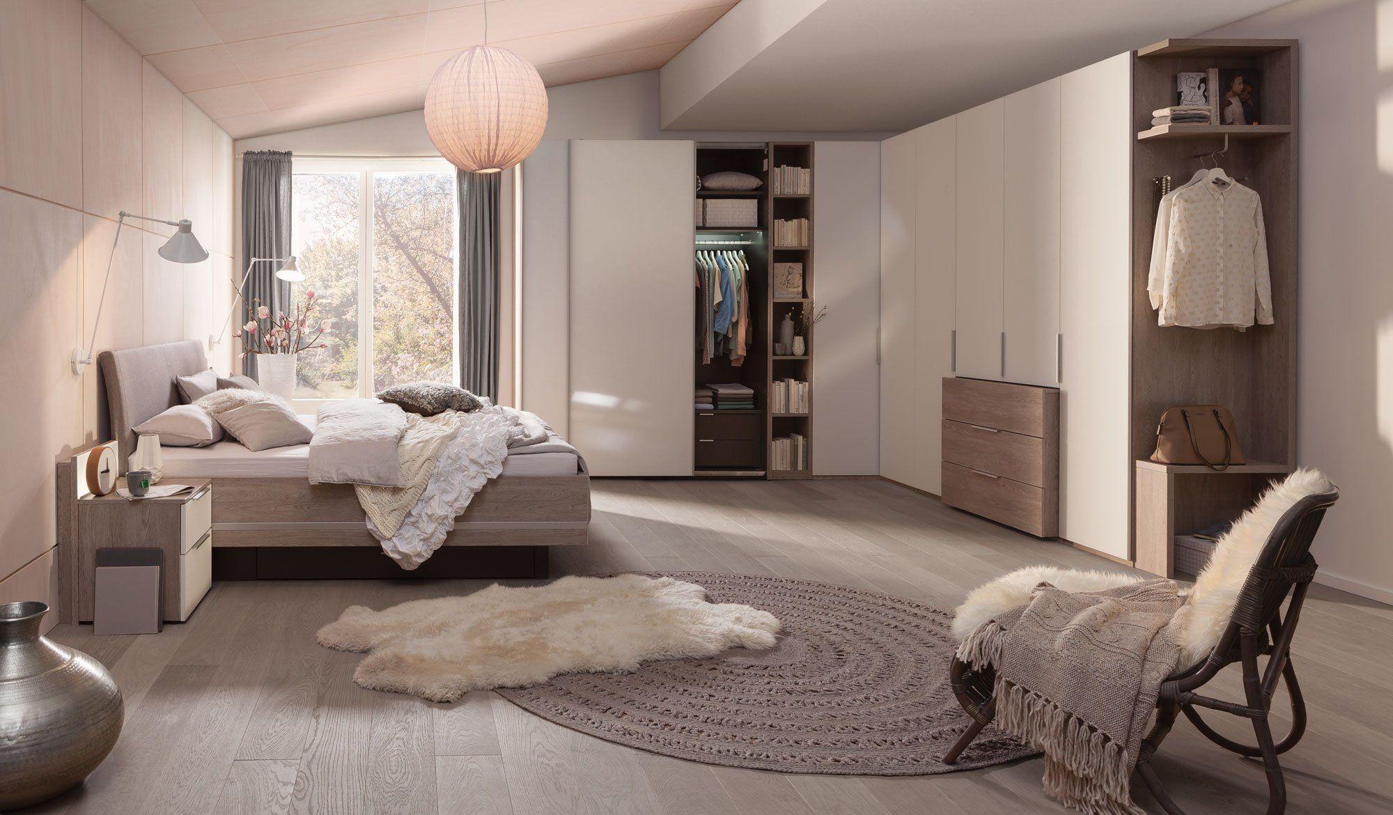 Sortiment Schlafzimmer Bett Schrank Dekoration