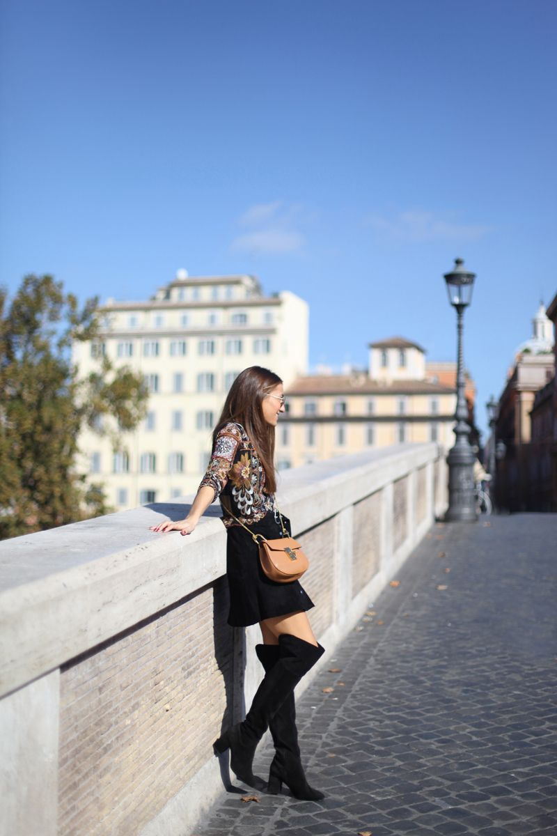 OVER THE KNEE IN ROME