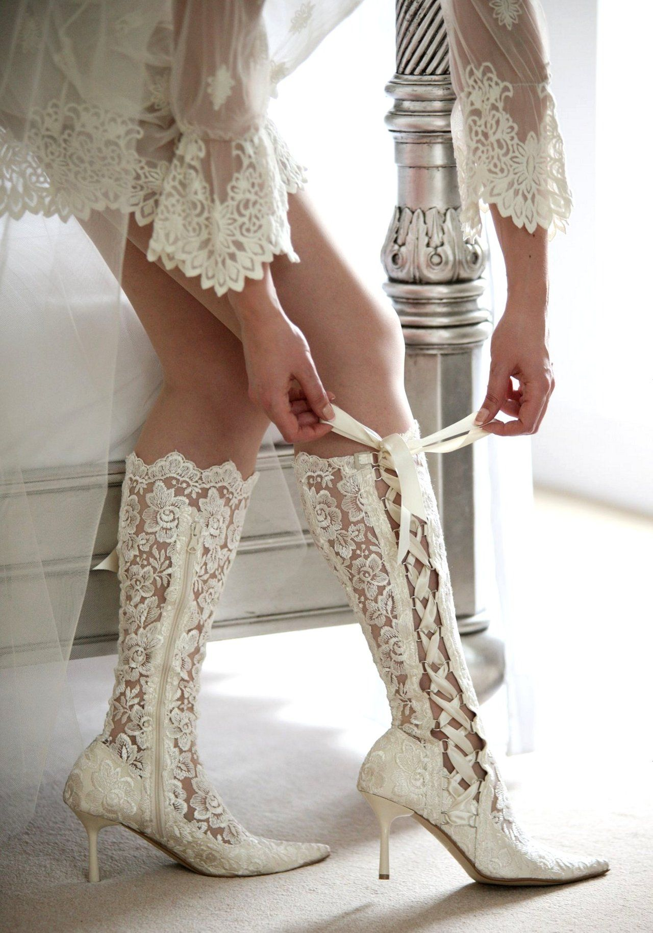 The most gorgeous lace boots!