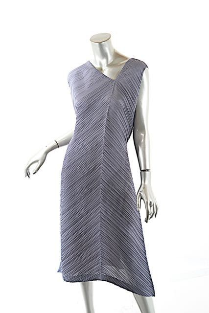 1650b82b69 Gray Issey Miyake Miyake Pleats Asymmetric Neck & Hem Gray/green Waist Tie Maxi  Dress. Free shipping and guaranteed authenticity on Gray Issey Miyake Miyake  ...