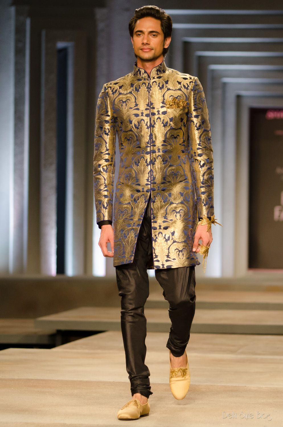 the men s looks from shantanu and nikhil india bridal fashion week 2013 indian groom