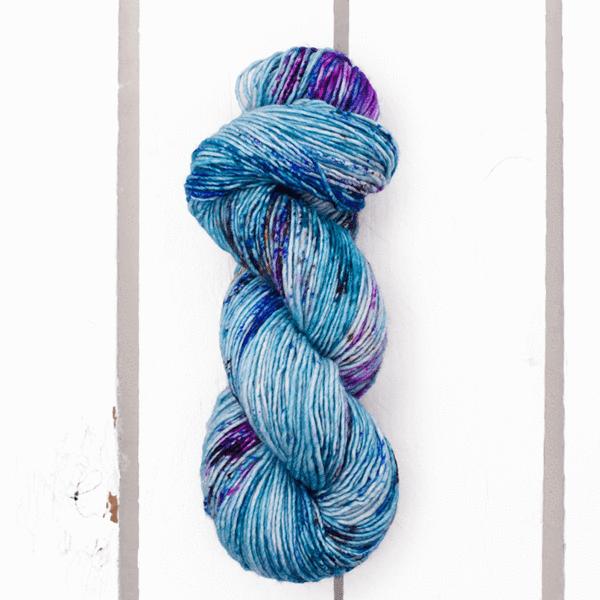 Hand dyed yarn BFL DK /'Amethyst/'