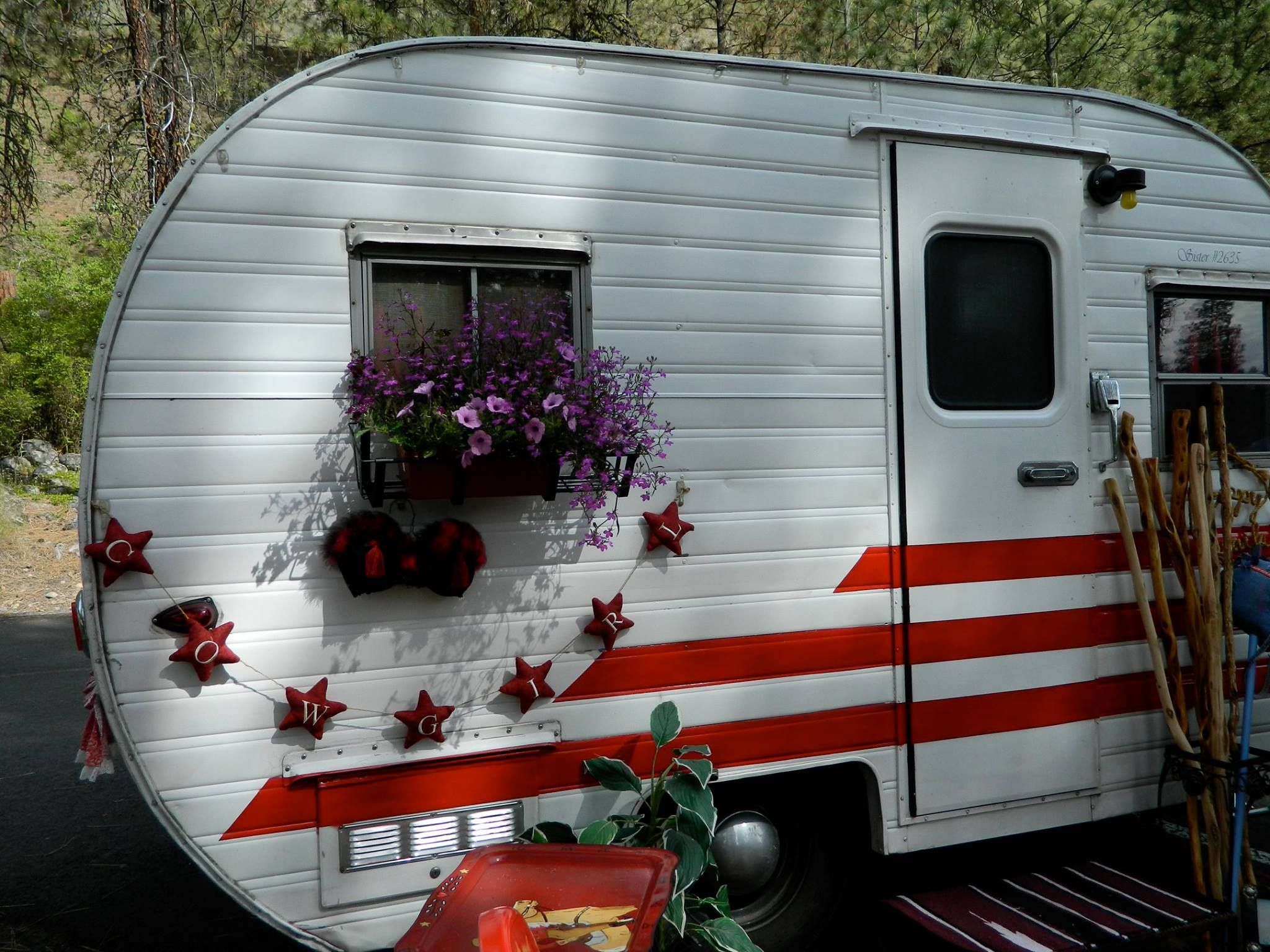 Pin On Vintage Trailers And Glamping