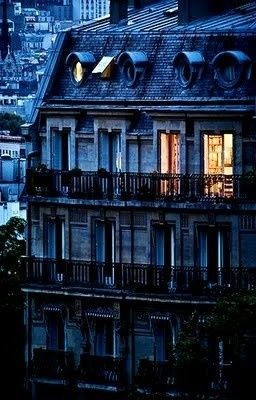 Paris…….KNOWING THE PARISIANS, I THINK THESE TWO ROOMS HAD A CONNECTING DOOR…….YOU BET YOUR DIM LIGHTBULB THEY DID………..ccp