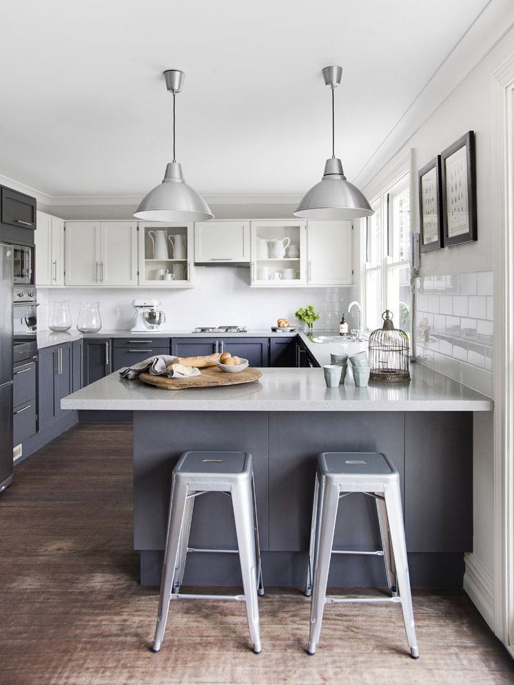 Two Tone Kitchen Cabinets Via Est Magazine And Apartment Therapy Colour Consultant Emily Loxton S
