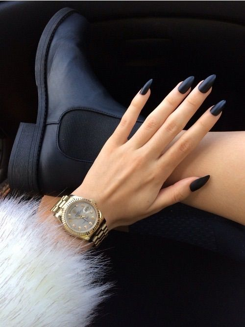 Mate black almond shaped nails | nails | Pinterest | Almond shape ...