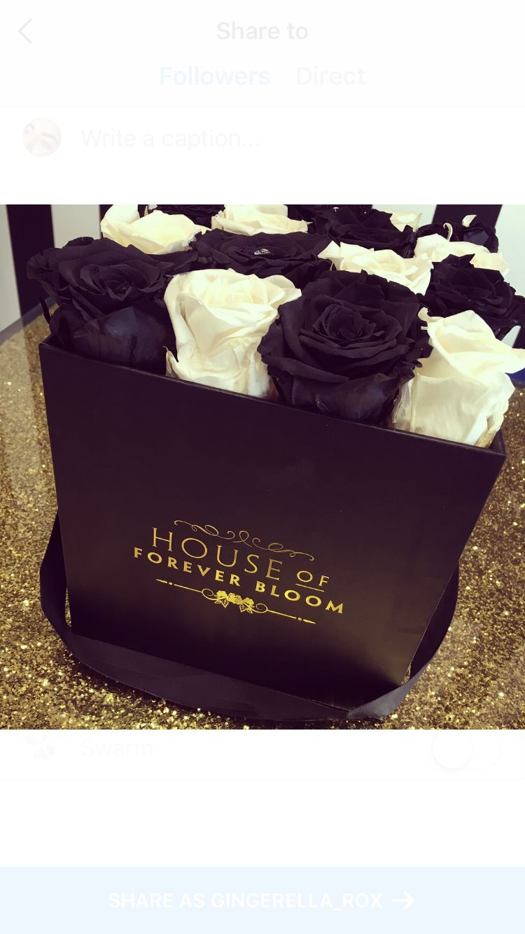Reception Desk flowers from House of Forever Bloom. These last a year!! #roses #receptiondesk #salon #browbar