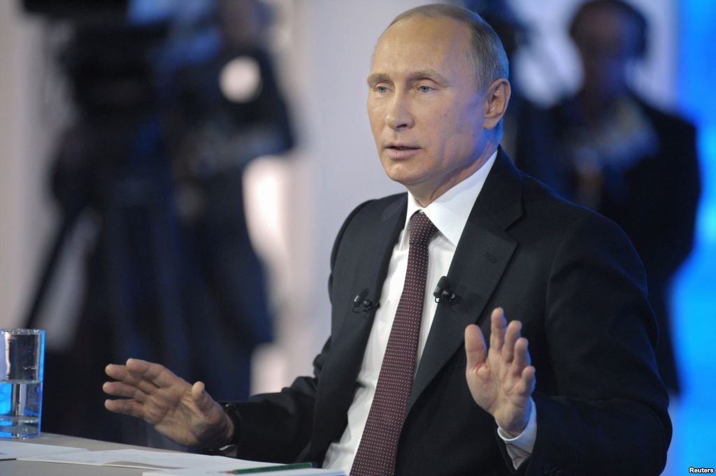 Snowden Questions Putin on Surveillance