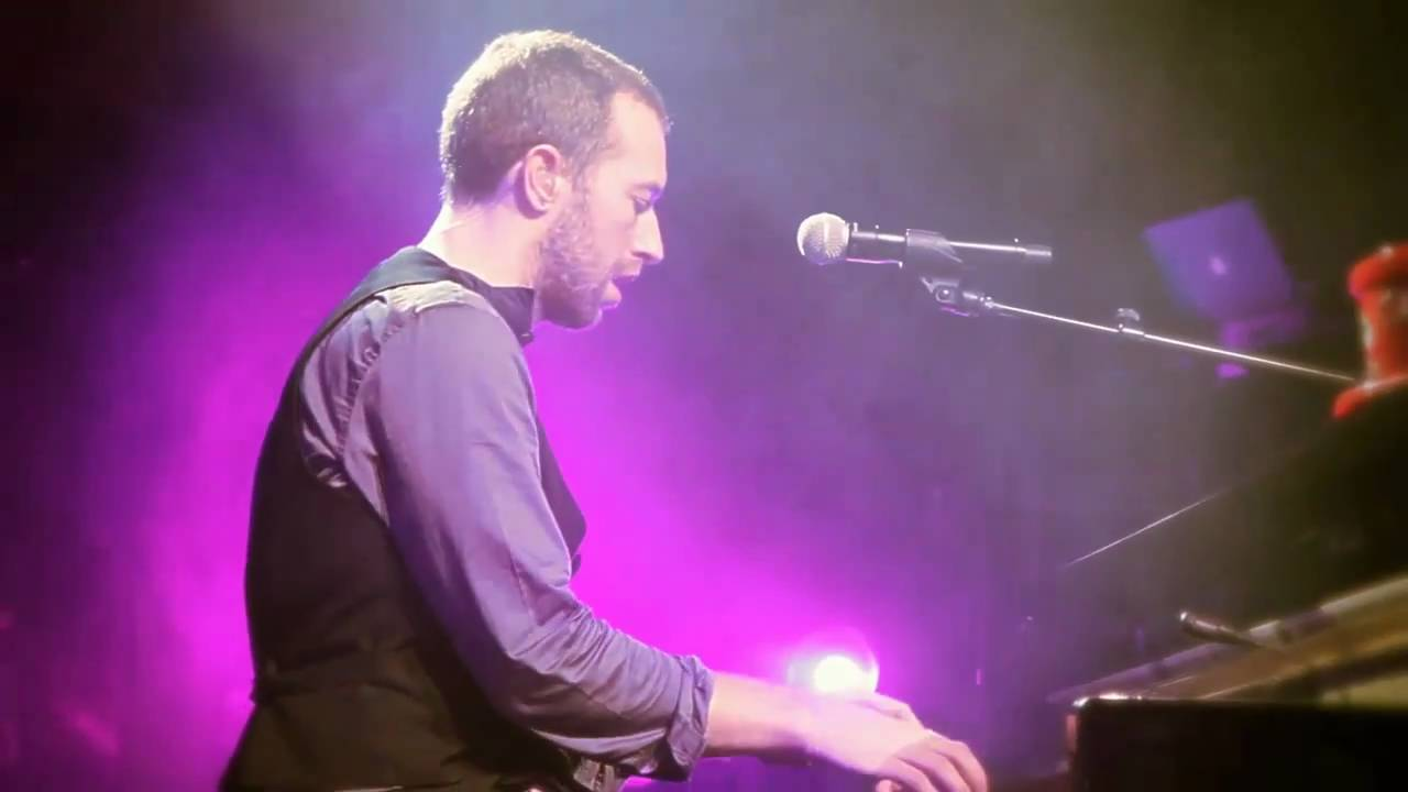 Coldplay Christmas Lights Live From Liverpool Beautiful Coldplay Live Coldplay Christmas Song