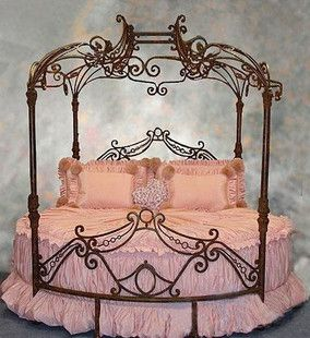 Love This Bed For A Princess Room Princess Theme Bedroom