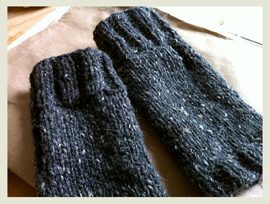 Super Simple Mitts Fingerless Gloves Gloves And Stitch
