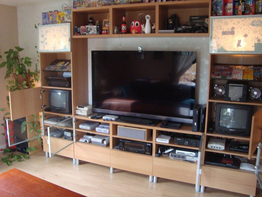 Muebles Para Videojuegos Retro Gaming Mansion 2012 Game Rooms Pinterest