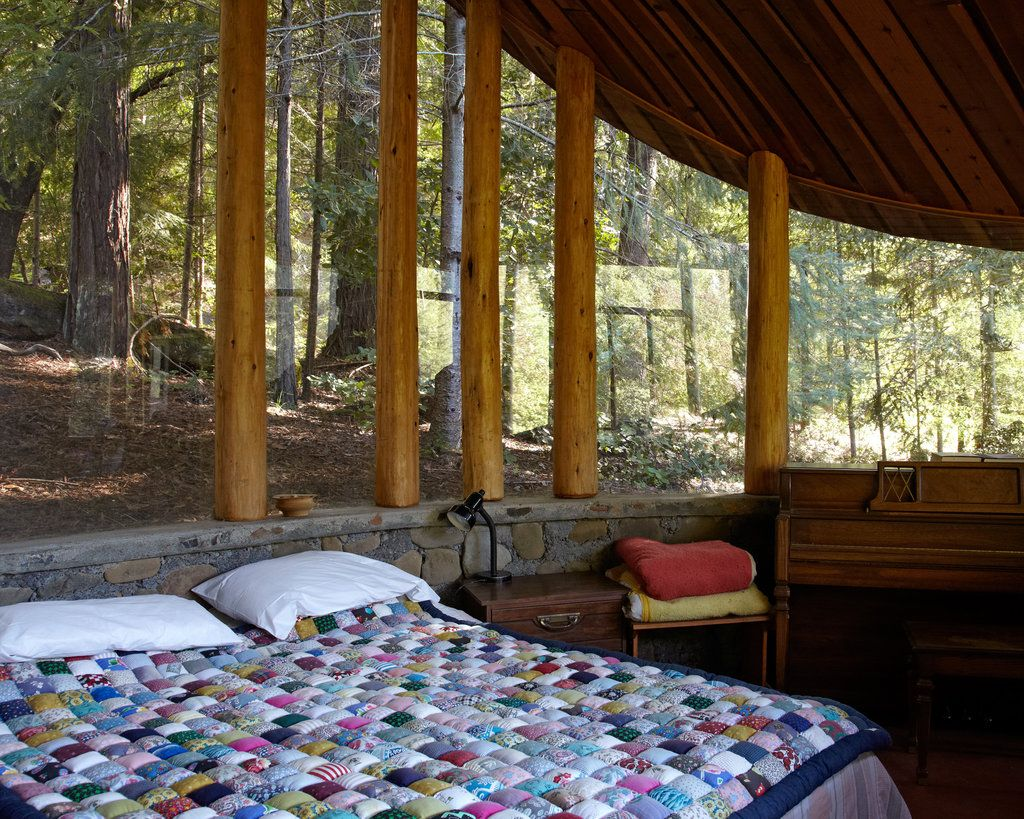 Charles Bello's house: quilt +windows (parabolic glass house)