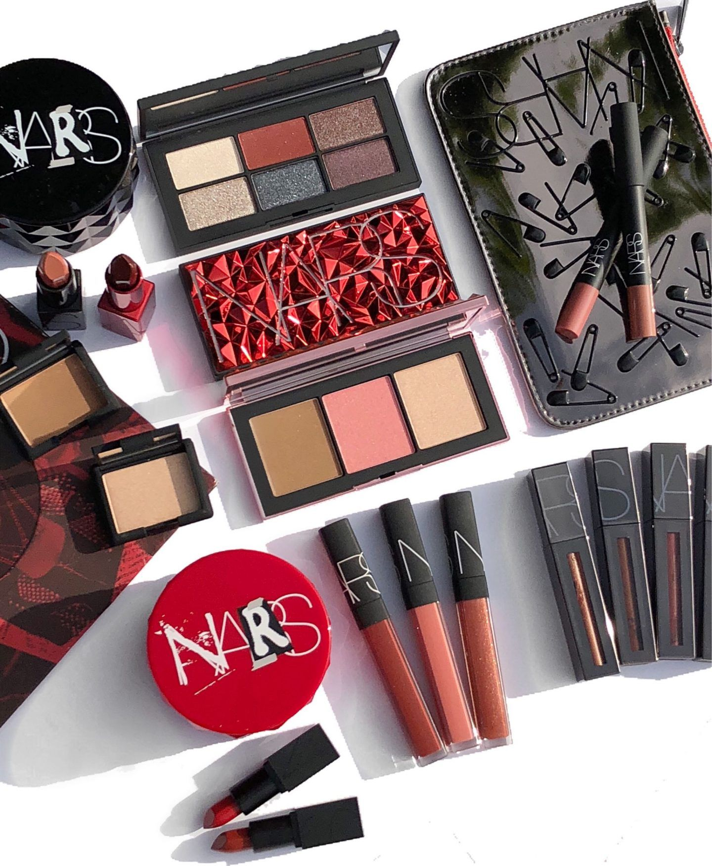 Holiday nars makeup collection recommendations to wear in summer in 2019