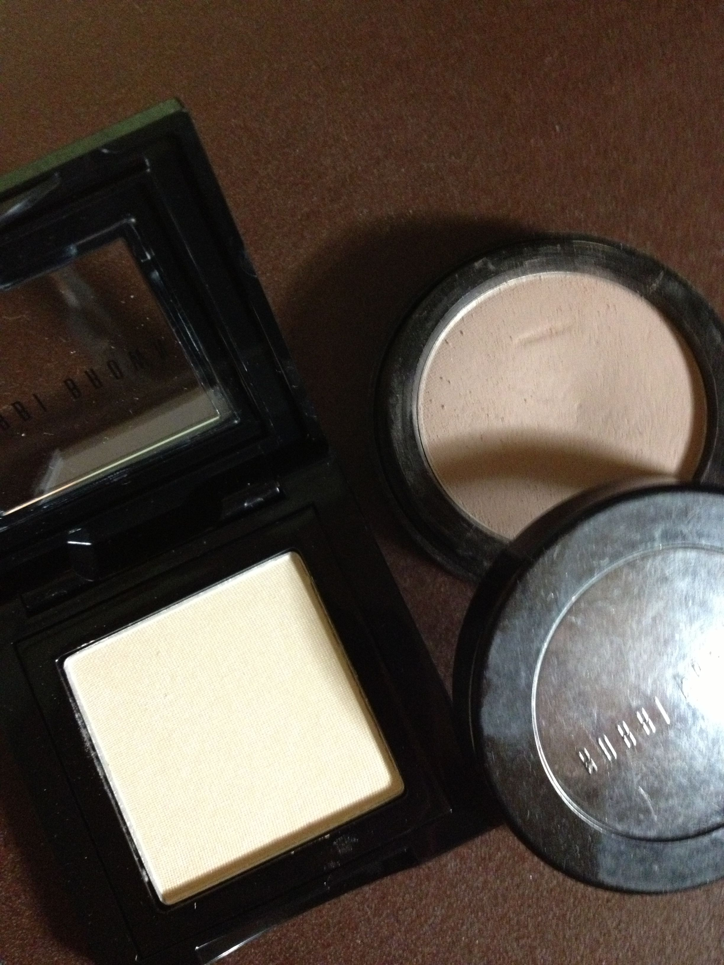 Eyeshadow  Bobby Brown  #16 Bone    #33 Woodrose