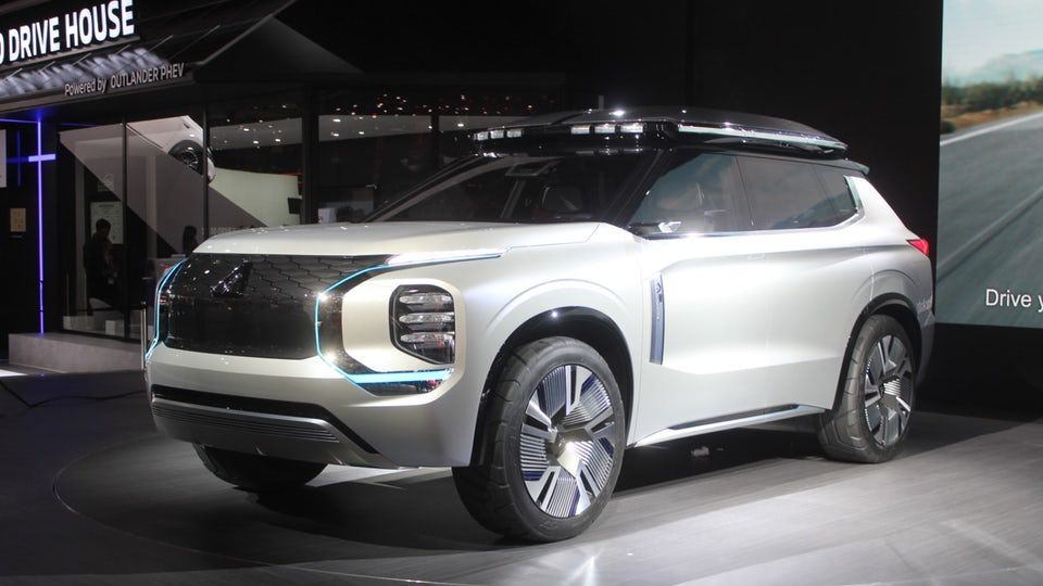 Mitsubishi Heads For The Swiss Alps With Plug In Engelberg Tourer Concept In 2020 Concept Cars Mitsubishi Engelberg
