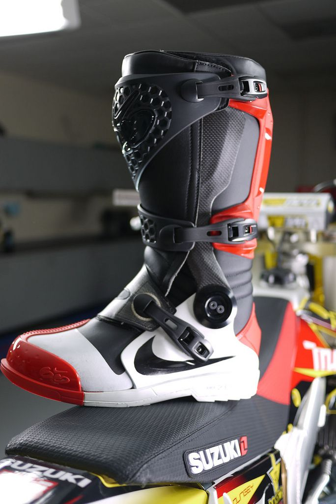 chaussure moto nike