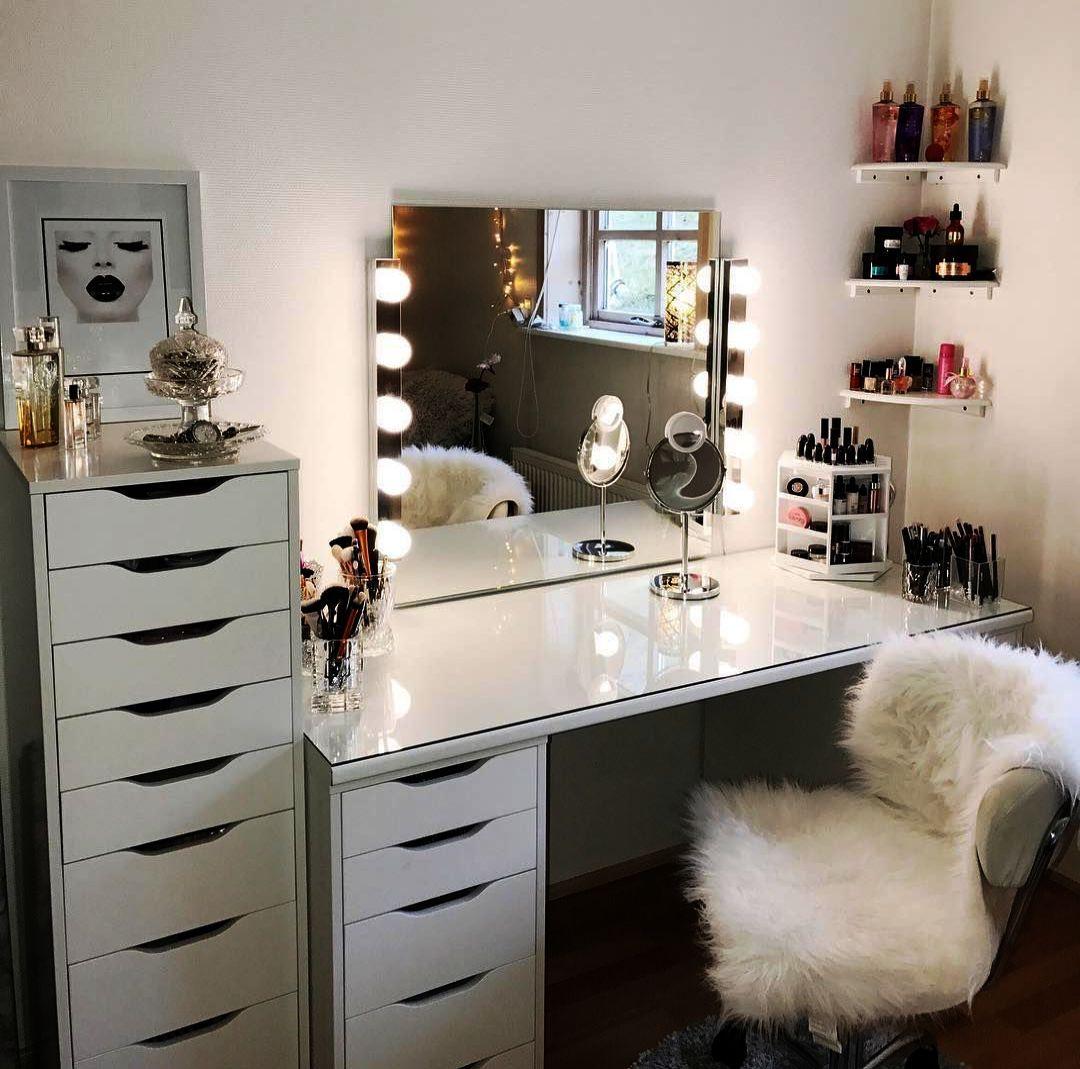 Makeup Vanity Table Lamp One Makeup Organizer Nordstrom On Makeup Looks For Prom Makeup Looks Rough Tuvalet Masalari Makyaj Masalari Ev Icin