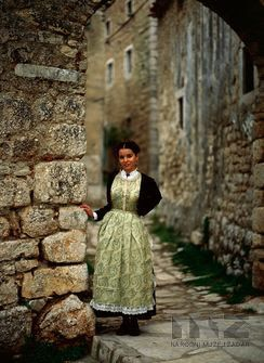 FolkCostume&Embroidery: Gradska Nošnja, Town Costume of Split and the central Dalmatian Coast, Croatia