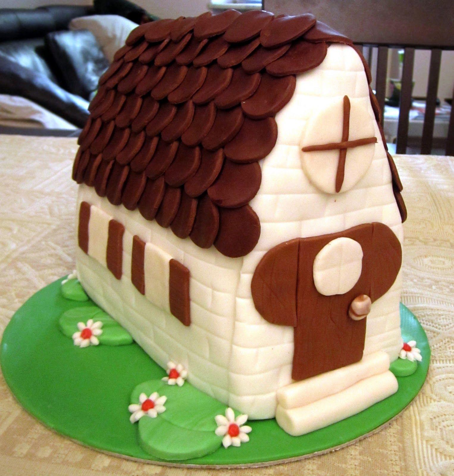 Blog di Cake Design e modellazionw di pasta di zucchero decorata.