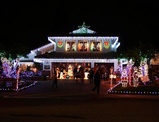 Best Christmas Light Displays In The Oc Birch Street In Brea Popsicle Blog Best Christmas Light Displays Christmas Lights Christmas Light Show